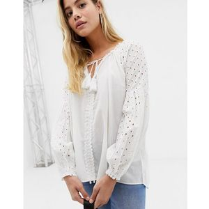 Glamorous tunic top with crochet sleeves - white