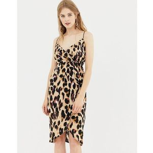 QED London wrap front slip dress in leopard print - Brown