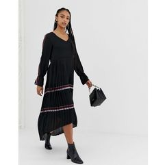 Amy Lynn bell sleeve midi dress with pleated skirt - Black
